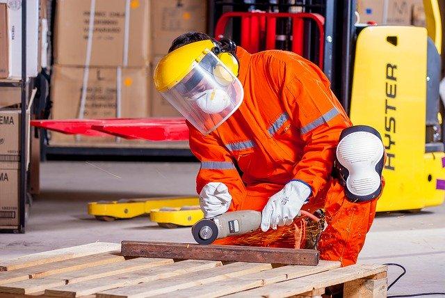 Odzież ochronna a odzież robocza- zastosowanie